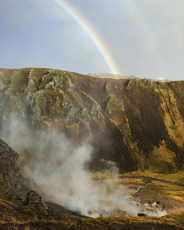 Mum nature showing off. #iceland #rainbow #geyser #iPhone #photography #travel #instaTravel #Insta #Outdoor #adventure #hike #