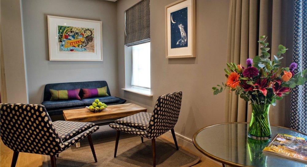 1g-gallery-image-family-room-4.jpg