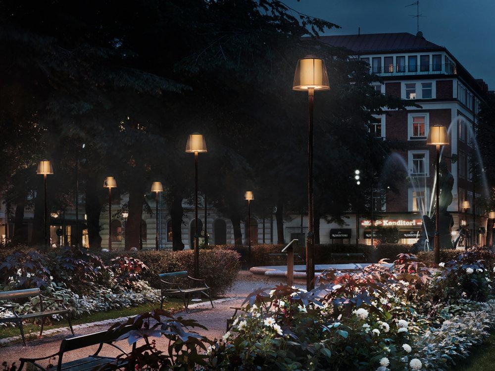 Brass - Fixture: Brass pole.Project: Mariatorget, Stockholm.Lightdesigner: Ljusarkitektur.Photographer: Jonas Lindström.