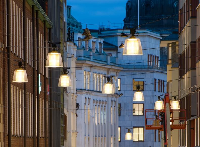 Brass - Fixture: Brass wire.Projekt: Jakobsbergsgatan, Stockholm.Light designer: Ljusarkitektur