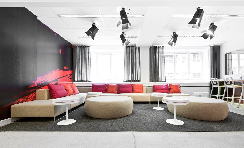 Foto - Fixture: Foto Large, ceilingProject: ORC, Stockholm.Architect: Öberg Hadmyr Arkitekter.Photographer: Jason Strong.