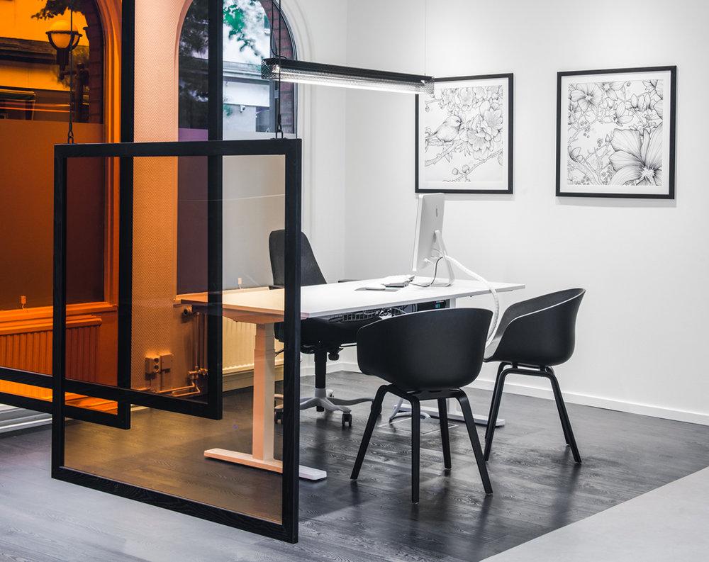 Grid - Fixture: Grid pendant.Project: Sparbanken Rekarne, Eskilstuna.Interior Designer: Coco Form.Lightdesign: Lumination of Sweden.
