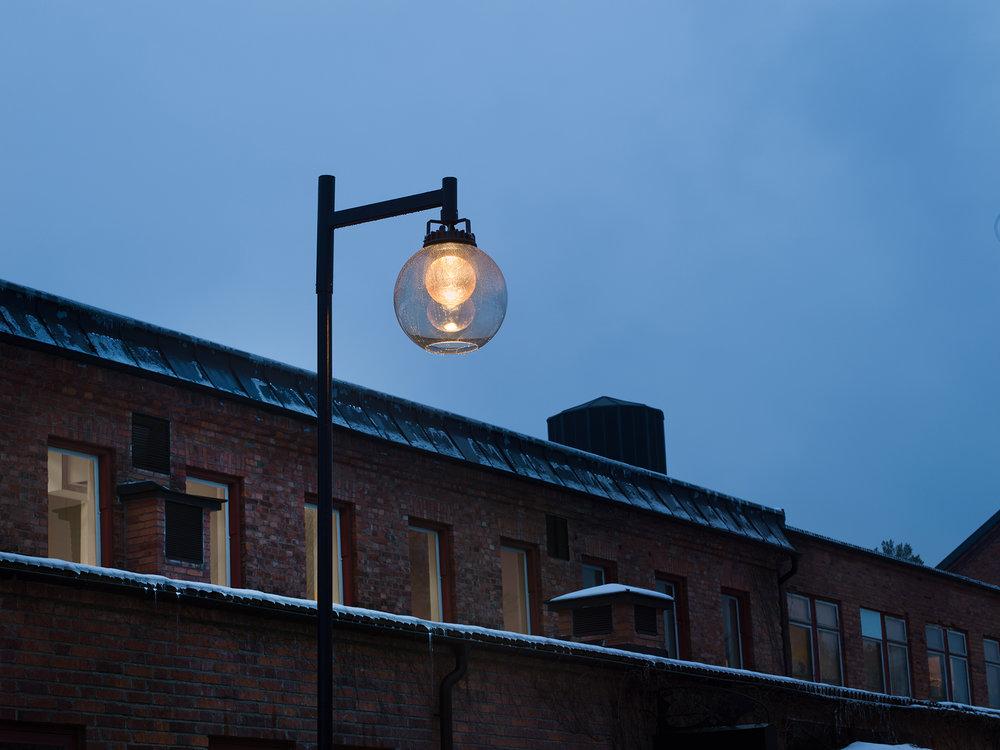 City Globe - Pole