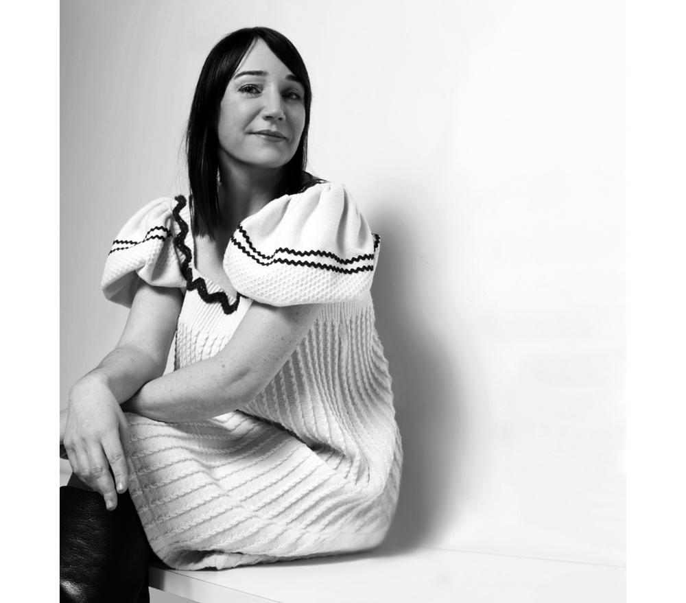 Monica Förster - Monica Förster, skapare till några av de internationellt mest kända föremålen i nutida svensk design, har sin bas i Stockholm men är uppvuxen i norra Sverige. Hennes verk kännetecknas av en stark känsla för ren form blandad med nya material och tekniker.Monica Förster Design Studio arbetar globalt med kunder som t ex Cappellini, Poltrona Frau, Tacchini, I&I Carpets, Modus, E&Y Japan, Offecct, Swedese, Zero och Design House Stockholm.Monica Förster har fått utmärkelsen Årets Designer i Sverige 2007 och 2006, Utmärkt Svensk Form, Design Plus i Tyskland och FutureDesignDays Award 2002. Hon har också varit representerad i The International Design Yearbook.Monica Förster har fått sin utbildning på Beckmans och Konstfack i Stockholm och arbetar som lärare och föreläsare på universitetoch institutioner såväl i Sverige som utomlands.ProdukterUmbrella pendelUmbrella tak