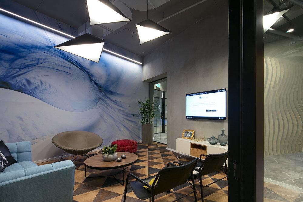 Top - Projekt: GE Healthcare office, Israel.Arkitekt: Setter architects - Mr. Bella Ventura.Ljusdesign: MK - Mrs. Michal Kantor.Foto: Mr. Uzi Porat.