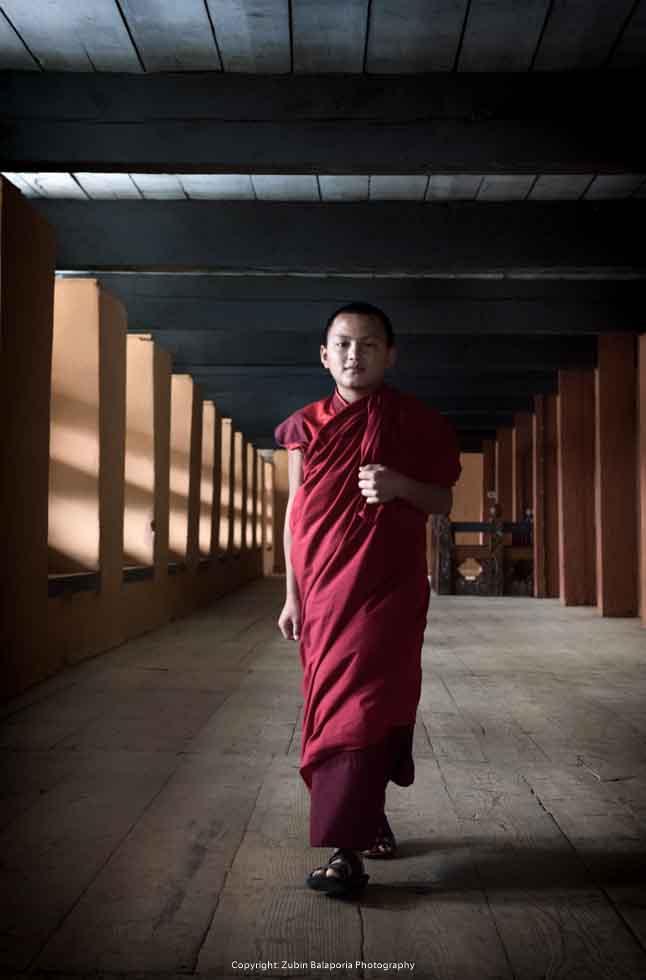 BHU Pillar Hall Monks 13 SL.jpg