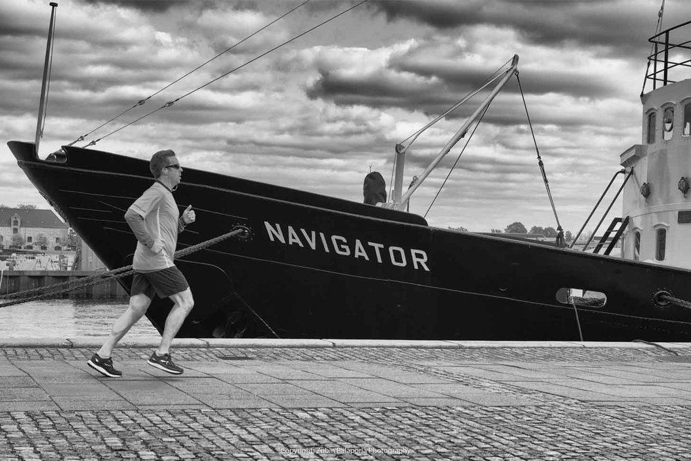 Navigator Runner 01