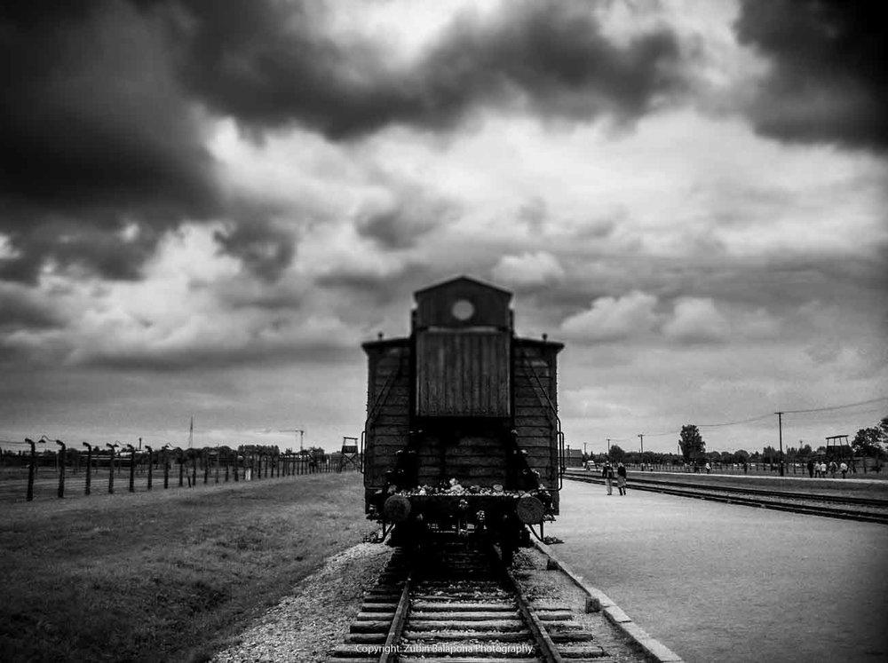 Auschwitz Wagon bw.jpg