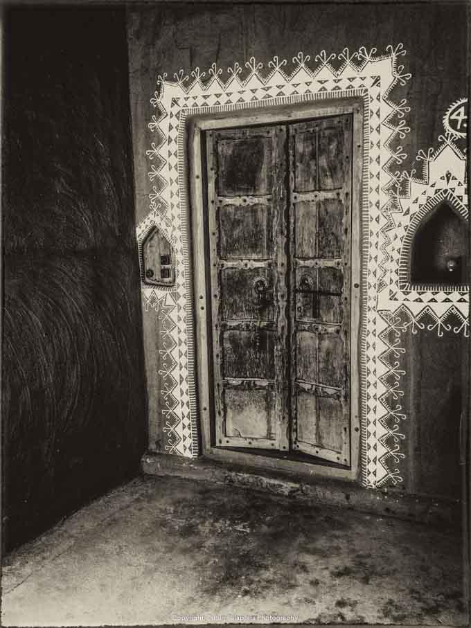 Raja Mandawa Door 01 Sepia.jpg