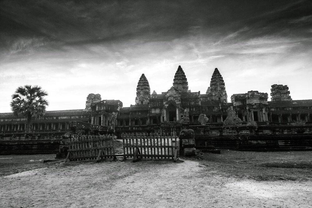 Monumental Angkor Wat