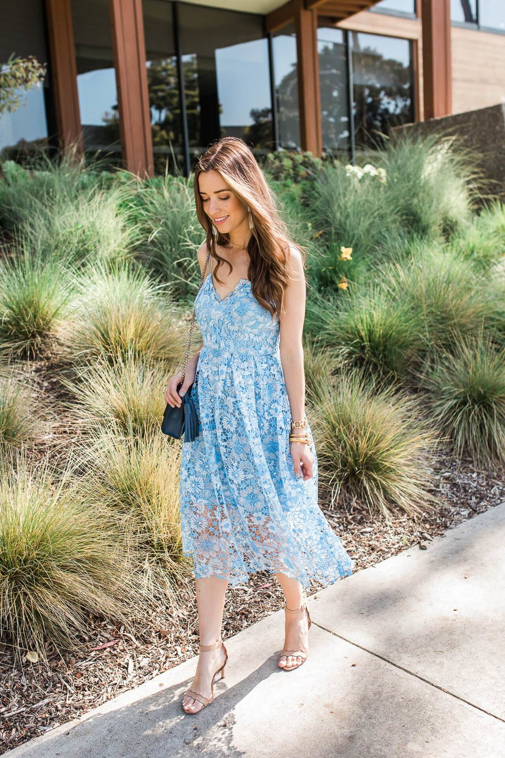 la-style-blogger-lace-dress.jpg