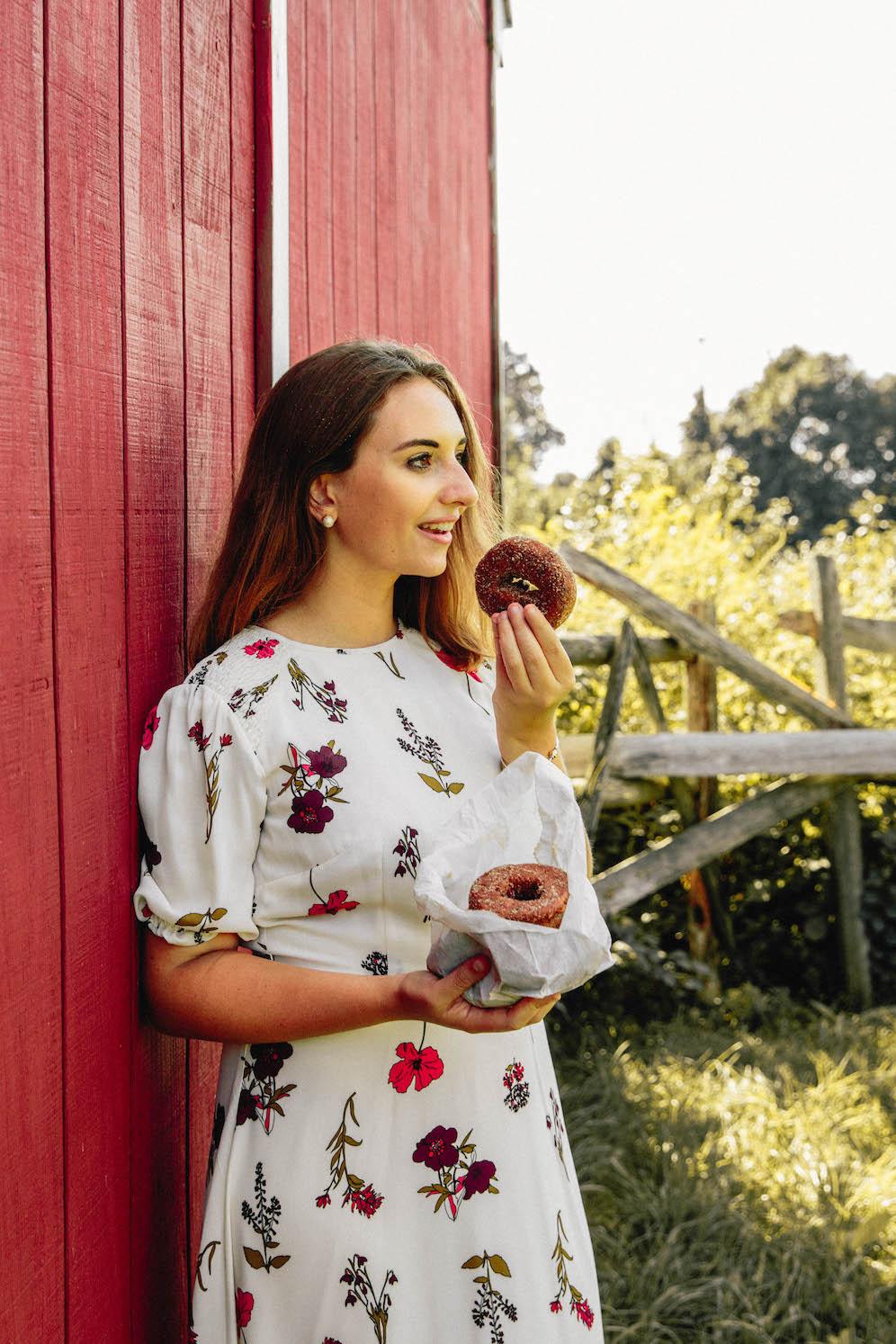 Apple-Picking-in-Fairfield-County-Connecticut-The-Coastal-Confidence-by-Aubrey-Yandow-0812.jpg