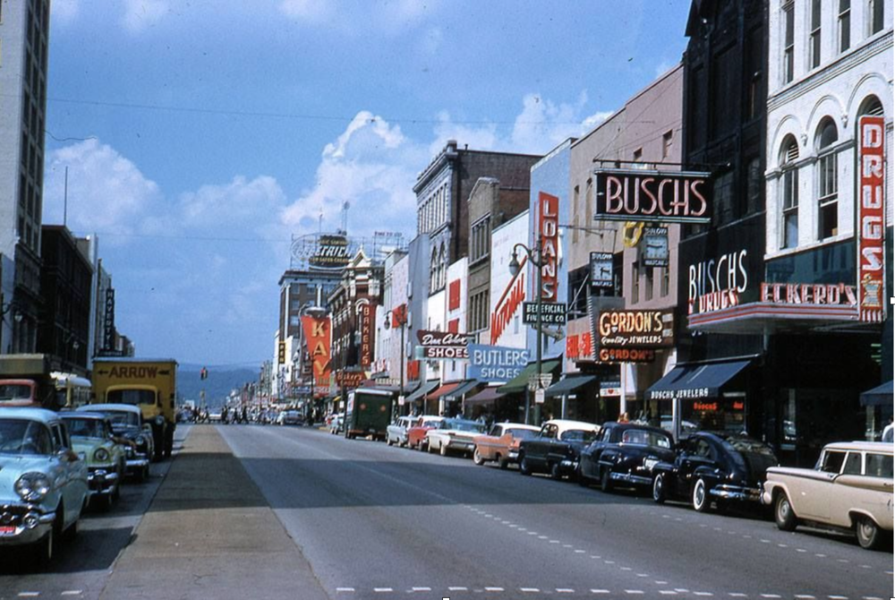 Market Street, 1960    / William C. King. Courtesy of the Chattanooga History Center. (   via Picnooga   )