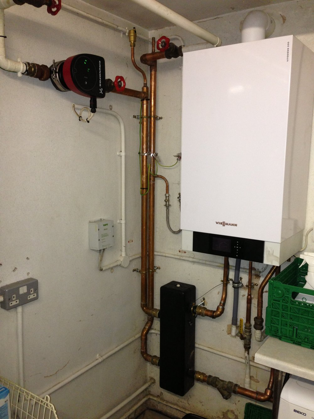 Battersea zoo - MHS Boiler replaced with Viessmann Vitodens 200w (2).JPG