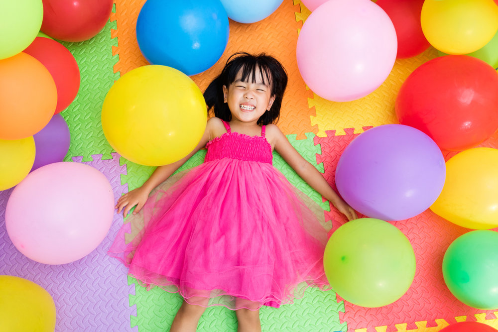 BIRTHDAY PARTIES - Choose from these themes and packages:•Hip Hop Heroes (Dress up Capes).•Ballerina Princess (Dress up tiaras and scarves).•Jazz and Glamour (Dress up boas).Note: Themes and styles can be adjusted for all ages.