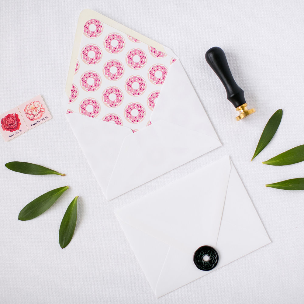Free Envelope Liner Printable + Wax Seal Giveaway | Pretty Peas Paperie | Donut
