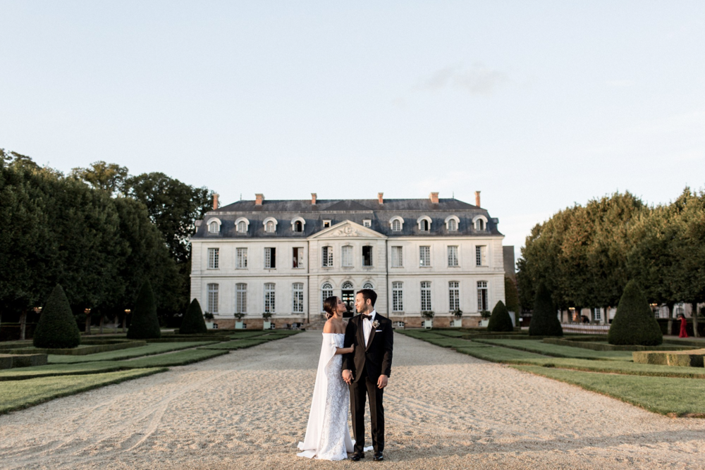 Wedding Featuredon Vogue - Chanel Dror and Eric Tarlo knew each other as children, but it wasn't until they reconnected years later at her 21st birthday party that they hit it off....READ FULL STORY