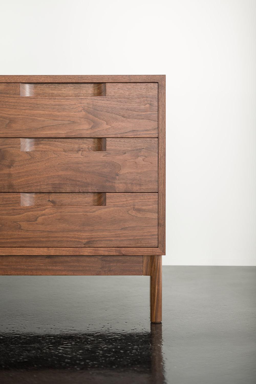 > Detail of drawer pulls of Hartford Case.
