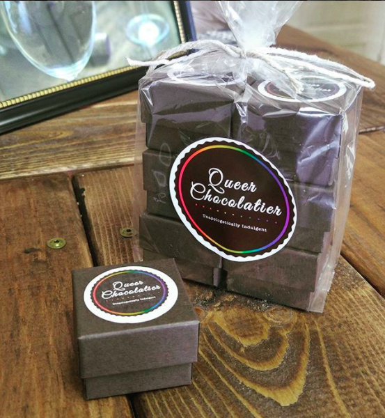Holiday Assortment Gift Packs! - Get the perfect all-in-one gift for the holidays! Our Holiday Assortment Gift Pack includes our most popular flavors:Burnt Caramel w/ Sea SaltBittersweetPeppermintGingerbreadAvailable in Classic or Vegan!***USPS Priority Shipping and Gift Wrapping Included!***