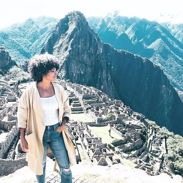 I think I spotted a llama 🤗 . . . . . #machupicchu #digitalnomad #abmtravelbug #theeverygirltravels #workhardplayharder #passionpassport #savvybusinessowner #blkcreatives #travenoire #travelisthenewclub #beingboss #traveloften #travelgrams #soulsociety #graphicdesigner #webdesigner #photog #mytinyatlas #traveldeeper #seetheworld #southamerica #perú #girlboss #fempreneur #thatsdarling #lovelysquares #creativehappylife #thehappynow #thegramgang #flashesofdelight