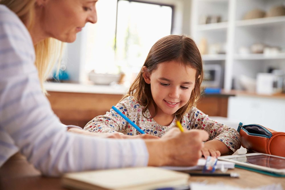 07-let-ways-get-kids-off-phones-without-bribery-66211411-monkeybusinessimages.jpg