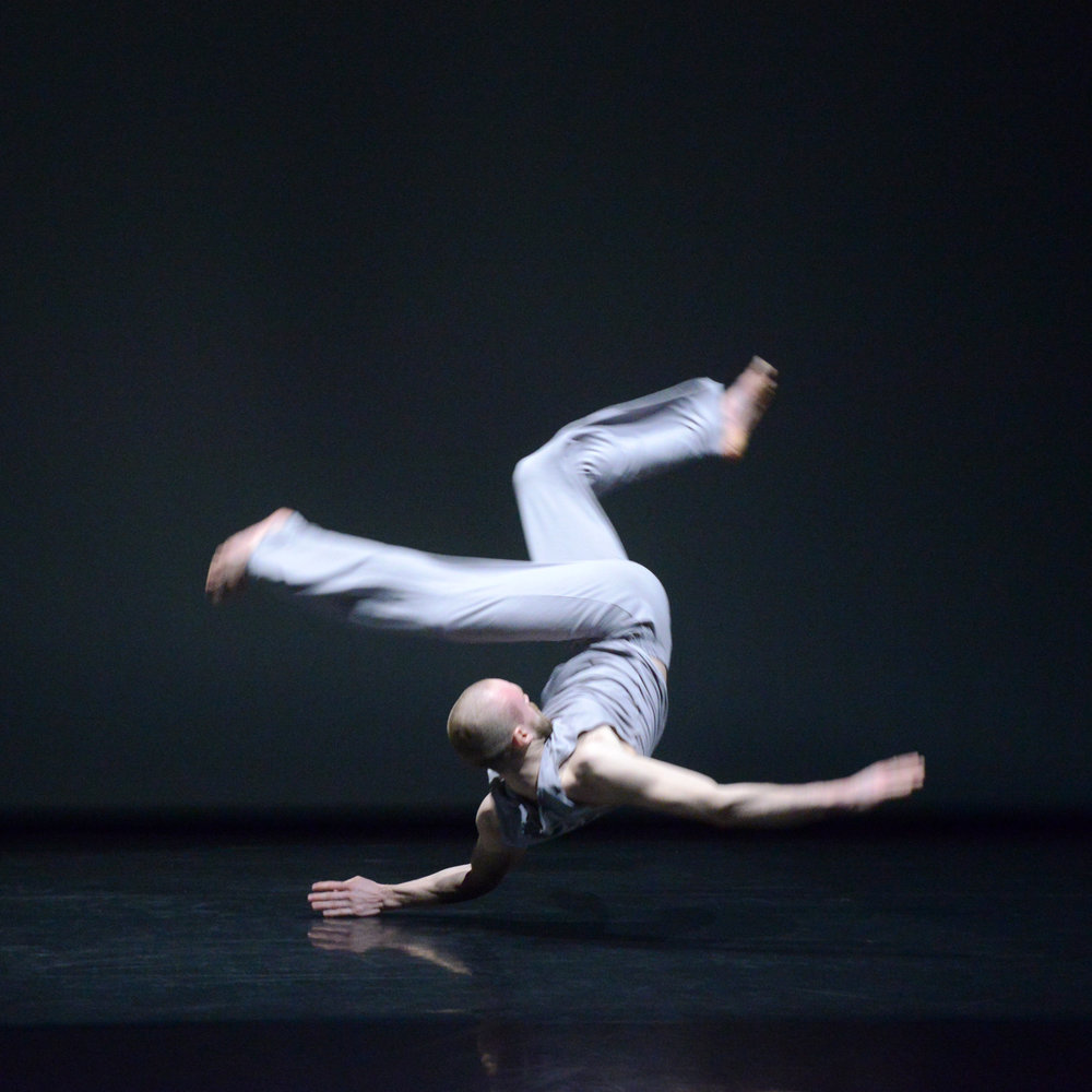 """You & I""  Stephen Andrews - TORONTO DANCE THEATRE  Photo by Guntar Kravis"