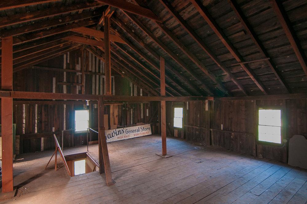 1077-RiverRd-Barrytown-NY_Red-Barn-Interior.jpg