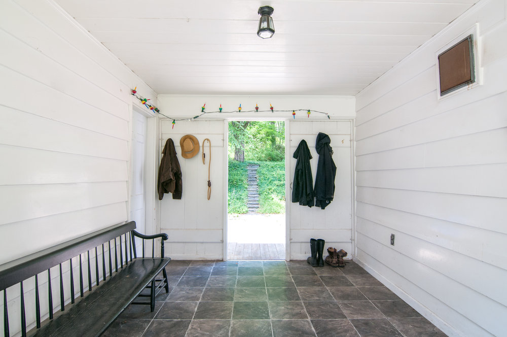 40-WHurleyRd-Mudroom.jpg