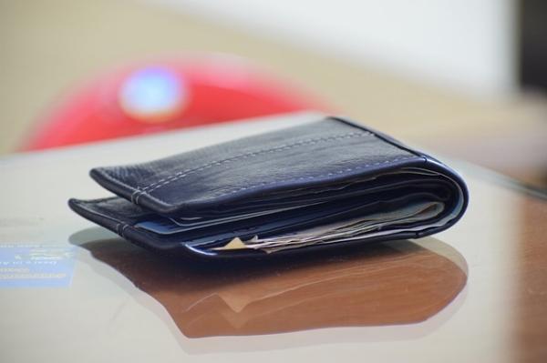 wallet-2456004_640.jpg