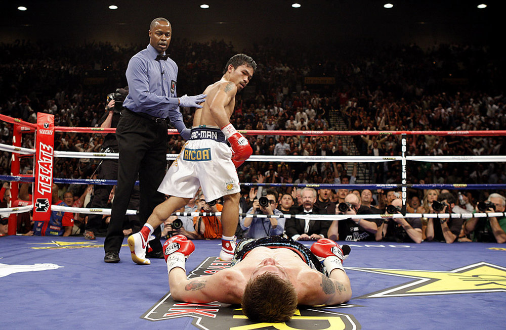 Manny Pacquiao KO's Rickey Hatton in Rd 2