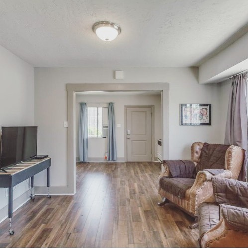 Boyle Heights investment opportunity. Newly remodeled. Sit back and watch this one pay for itself. $359k. 💰 Call (424)262-4946