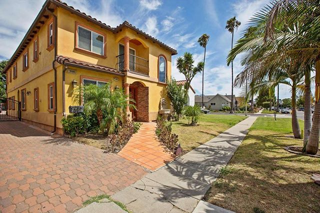 Are you or anyone you know looking for a Culver City-adjacent 2 bedroom? Built in 2006, here's an incredible option for $2975/mo for lease. Contact me immediately. (424)262-4946 or jennyokhovat@gmail.com
