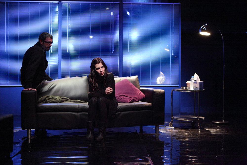 """La Ultima Noche"" / theatre ΠΚ, 2013 / by Thanasis Triaridis, directed by Dimitris Giamloglou  / Metropolis No 1016"
