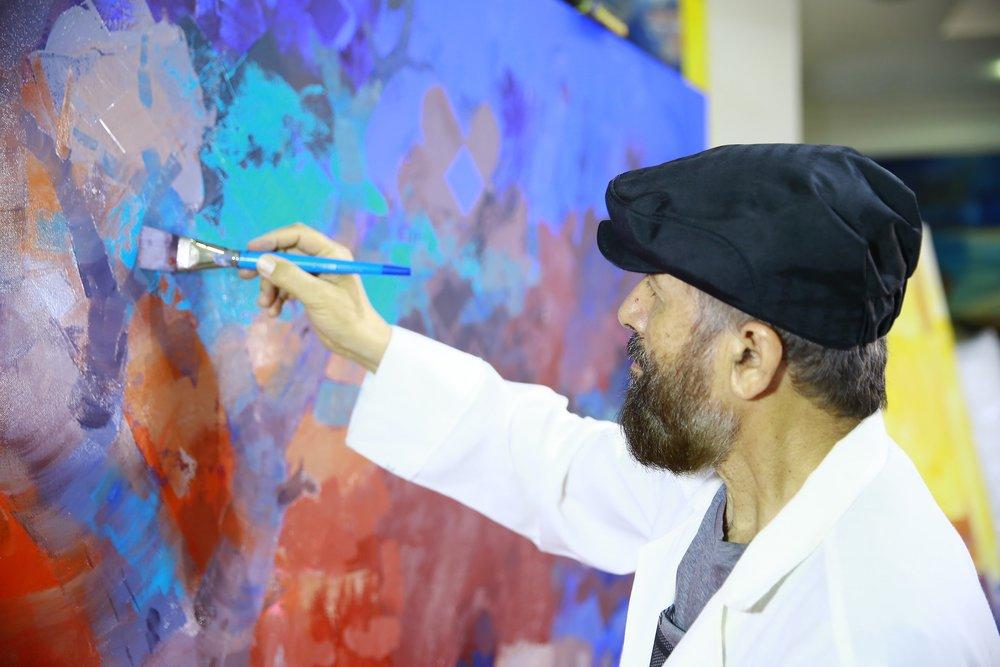 Abdulqader Al Rais in his atelier in Dubai, 2018. Courtesy: Dubai Culture.