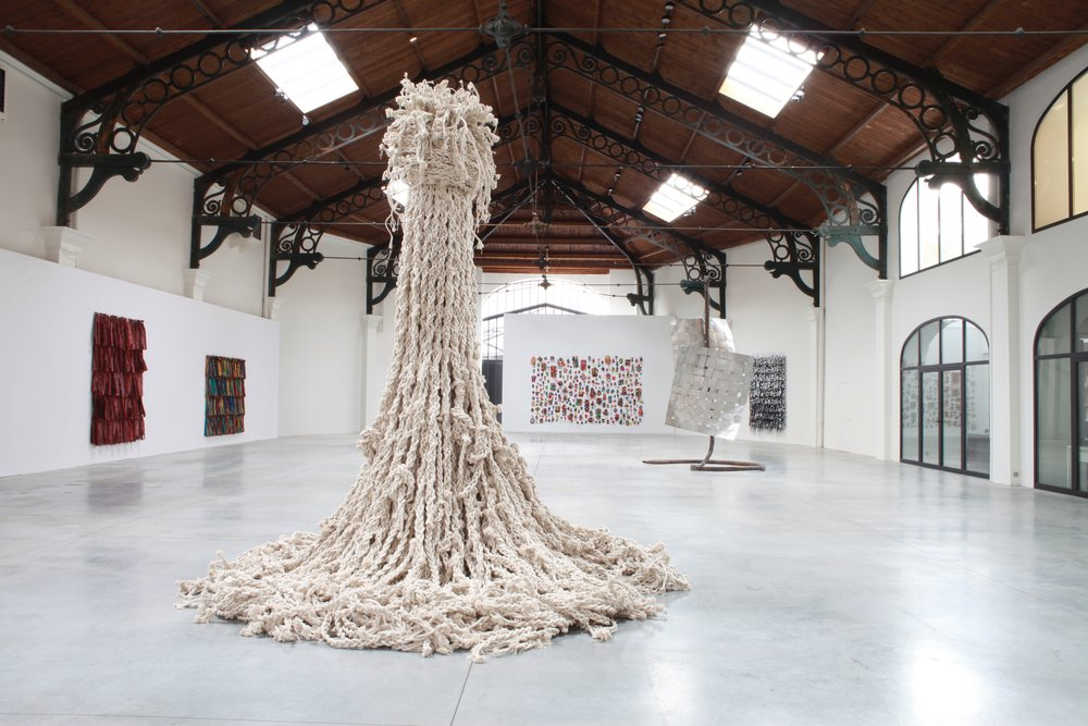 Hassan Sharif. Knots, 2012-2016, cotton rope & stainless steel, 380 x 350 cm. Loan courtesy Estate of Hassan Sharif and Gallery Isabelle van den Eynde.