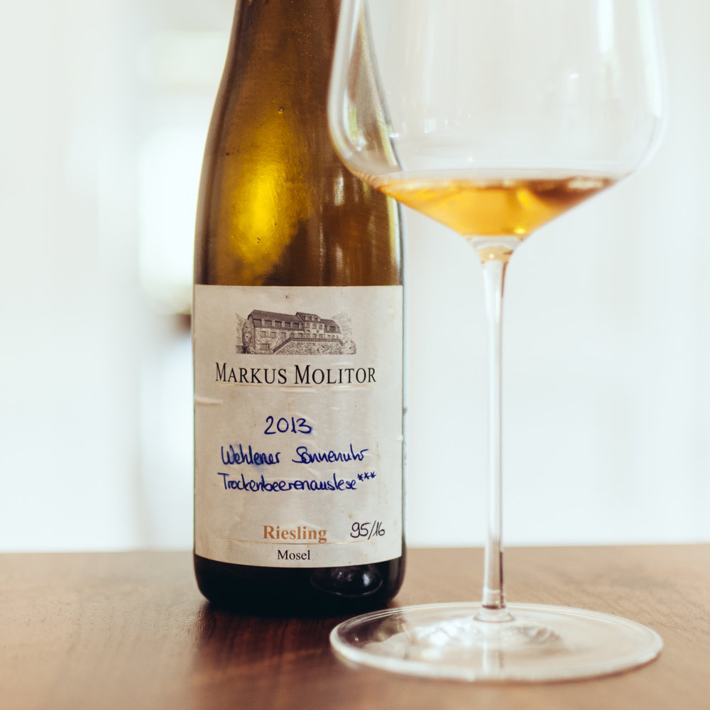 Wehlener Sonnenuhr TBA*** 2013:   Nose with caramel, honey, smoky wood, dried fruits. Great palate that is super smooth, caramelized fruits, oily, dried mango, powerful and voluminous. Outstanding.