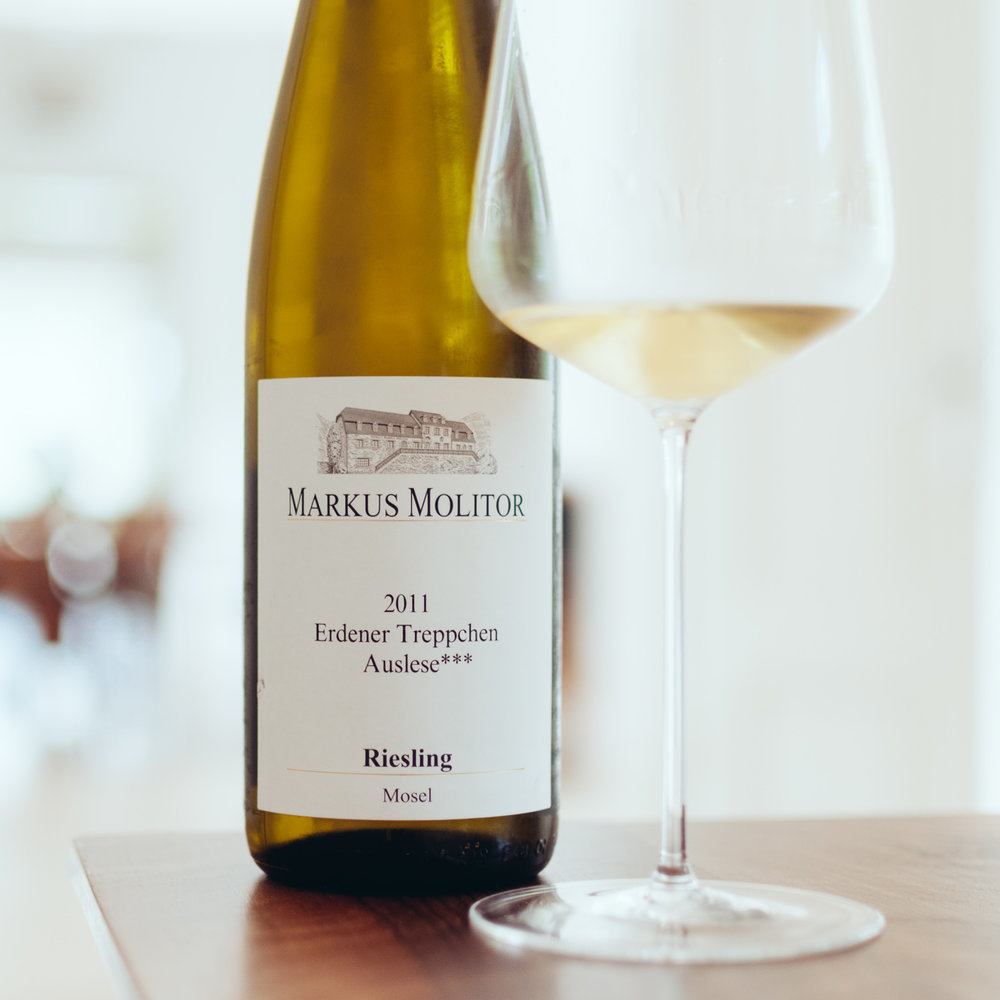 Erdener Treppchen Auslese*** 2011:  Ripe, dense fruit nose, spicy, stonefruit and exotic fruit, voluminous, the palate is spicy, very elegant acidity, great minerality.