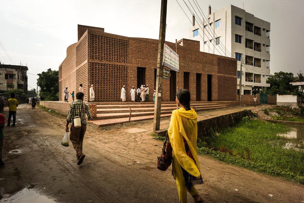 Bait Ur Rouf Mosque,Community