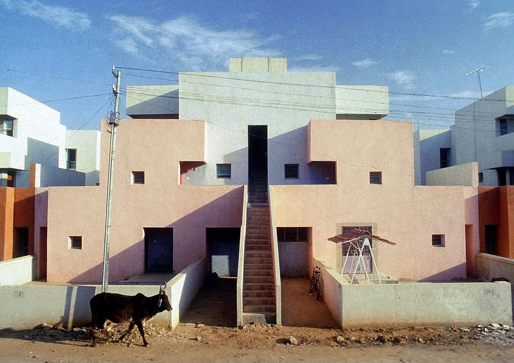 Housing for the Life Insurance Corporation of India, Ahmedabad, 1973 © Vastushilpa Foundation