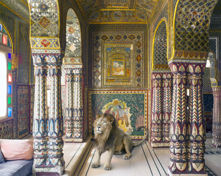 14_Photographer_Karen_Knorr_India_Song_yatzer.jpg