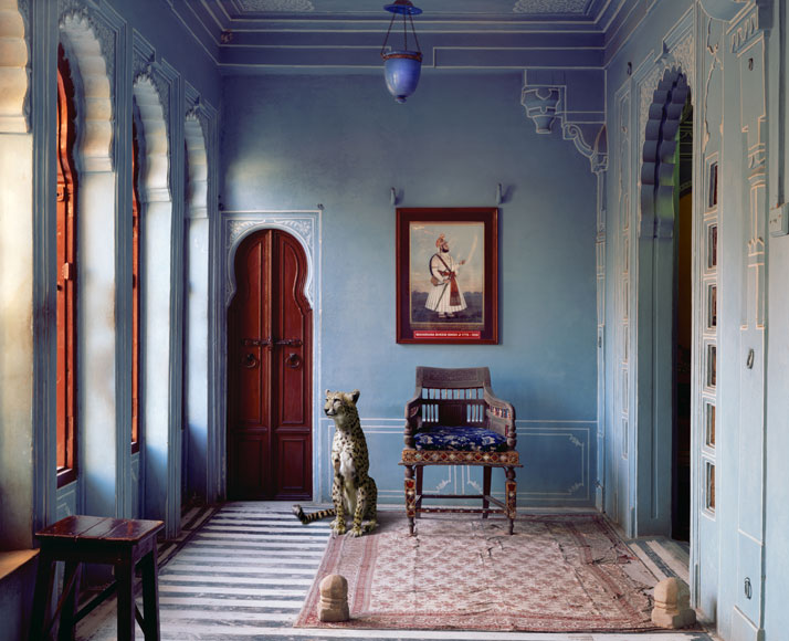 6_Photographer_Karen_Knorr_India_Song_yatzer.jpg