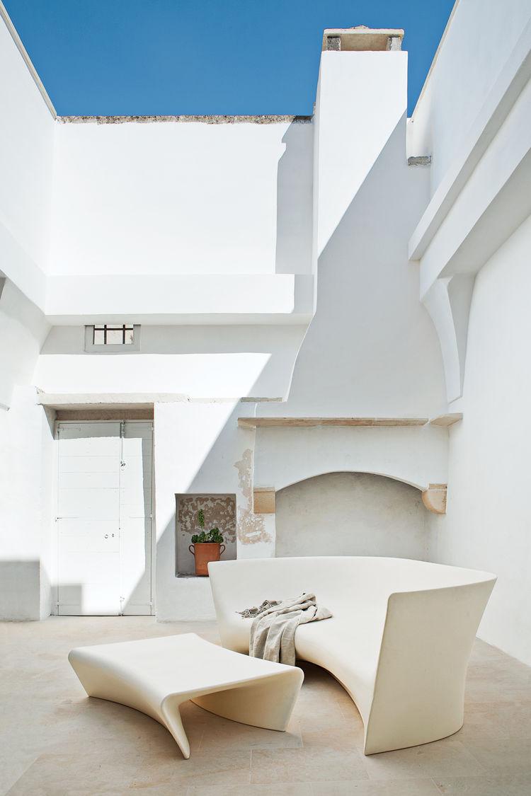 palomba-courtyard-1.jpg