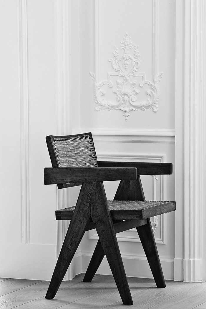 The-G-House-Brussels-olivierdwek-modedamour-interior-inspiration-living-chair-black-and-white.png