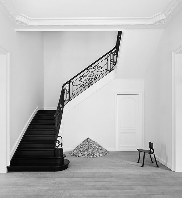 The-G-House-Brussels-olivierdwek-modedamour-interior-inspiration-living-hallway-stairs.png