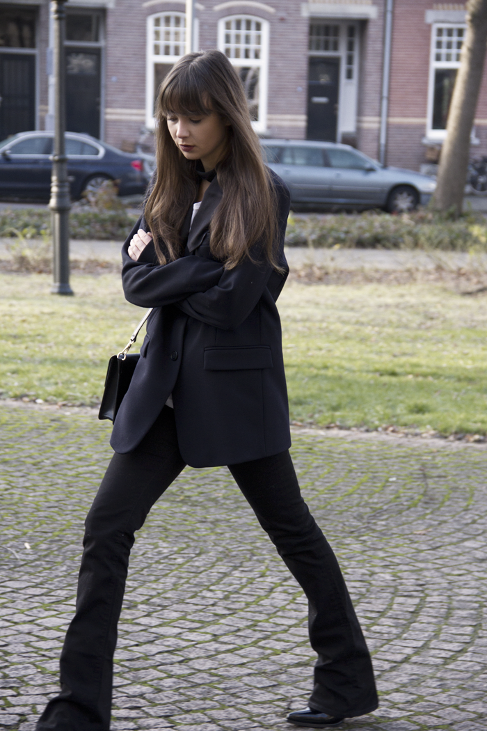 Oversized-blazer-Ralph-Lauren-flared-jeans-Hm-patent-leather-boots-3.png