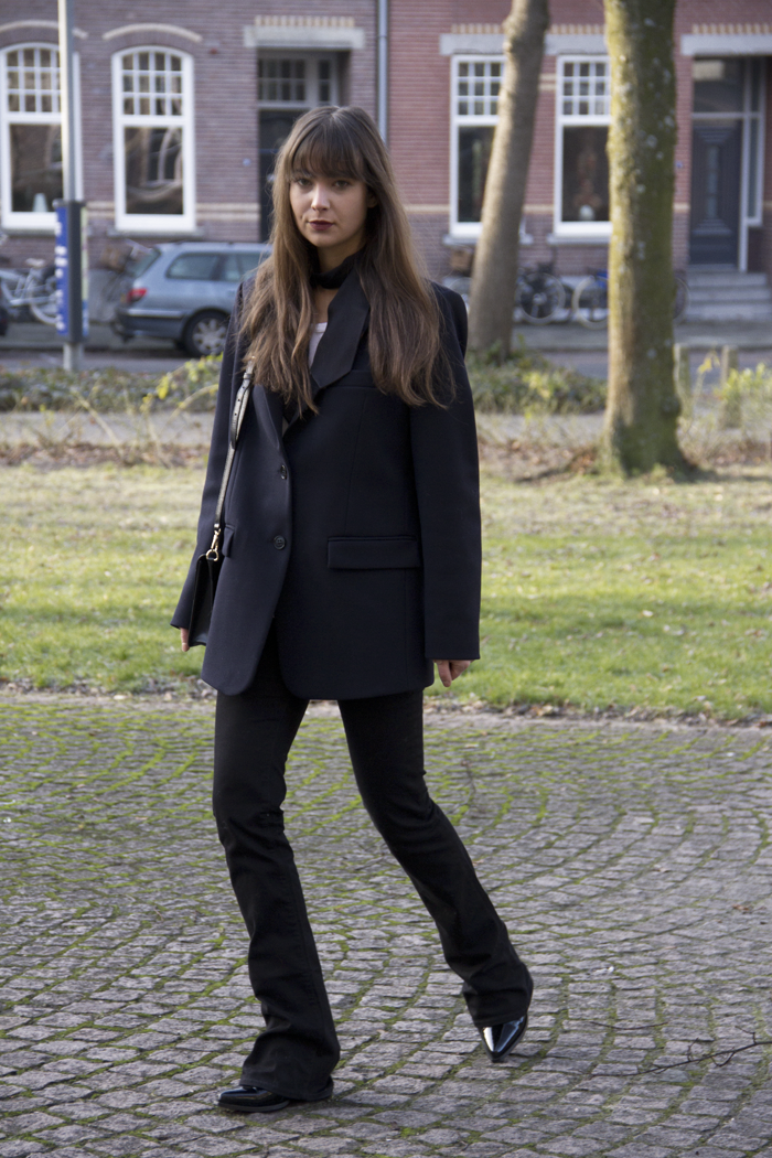 Oversized-blazer-Ralph-Lauren-flared-jeans-Hm-patent-leather-boots-4.png