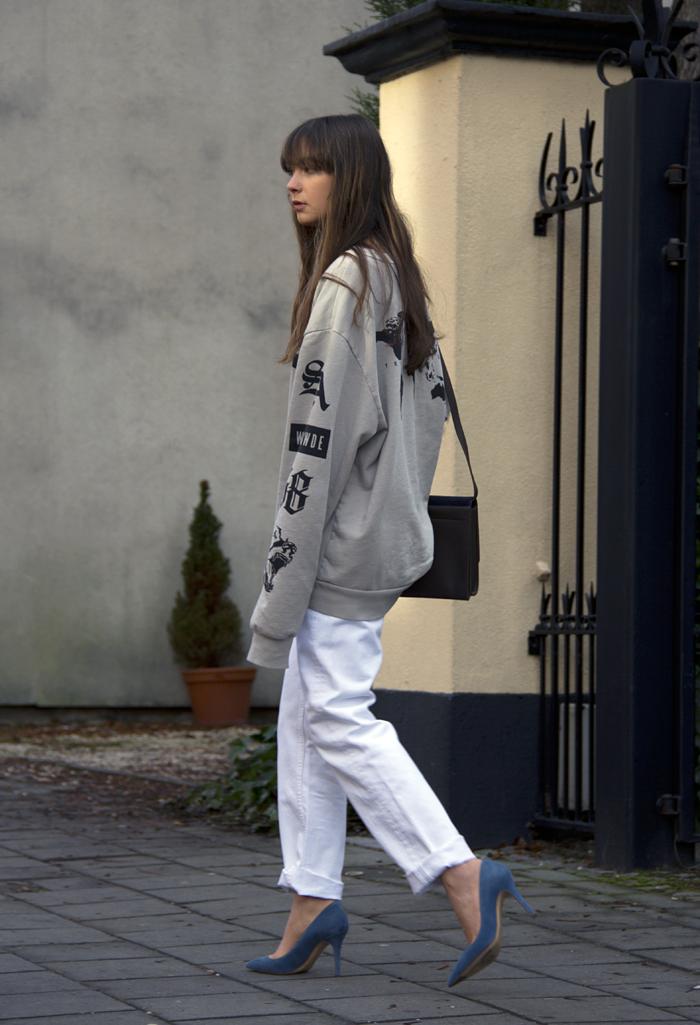 hm-sweater-vintage-levis-ralph-lauren-heels-everlane-bag-12.png