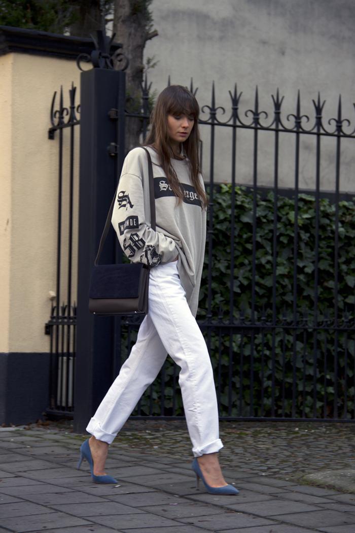 hm-sweater-vintage-levis-ralph-lauren-heels-everlane-bag-14.png