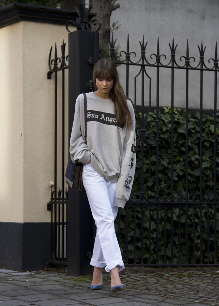 hm-sweater-vintage-levis-ralph-lauren-heels-everlane-bag-16.png