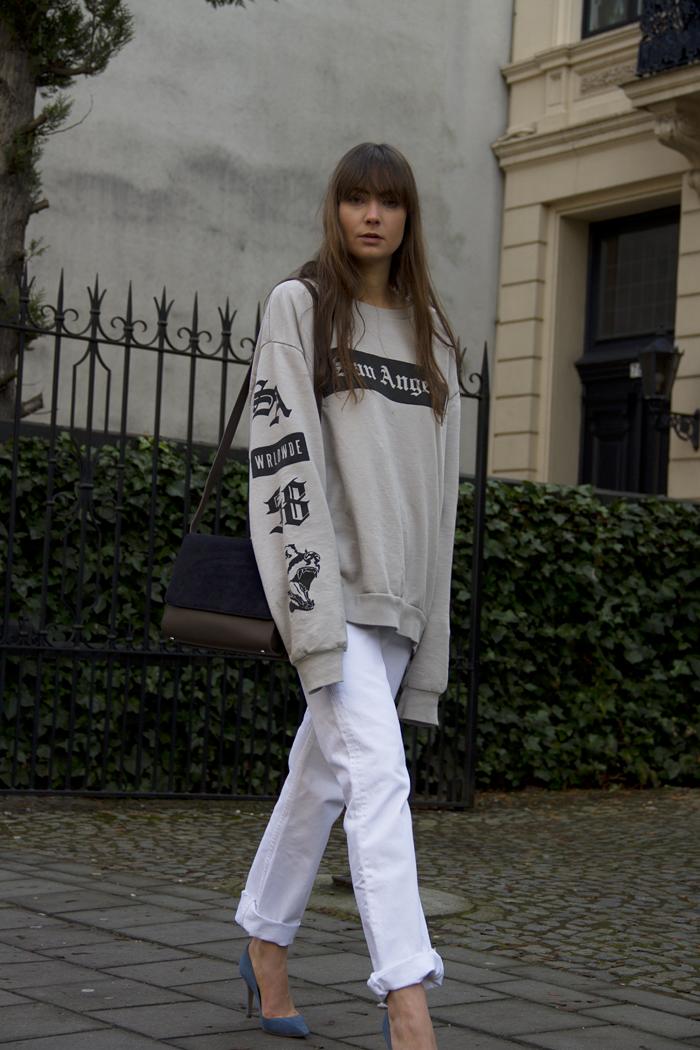 hm-sweater-vintage-levis-ralph-lauren-heels-everlane-bag-4.png